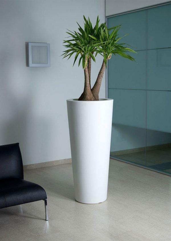 ILIE високи кръгли кашпи в бял цвят