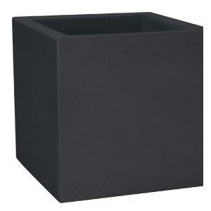 Екстериорни кашпи в черен цвят