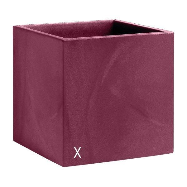 Kвадратни кашпи в цвят бордо