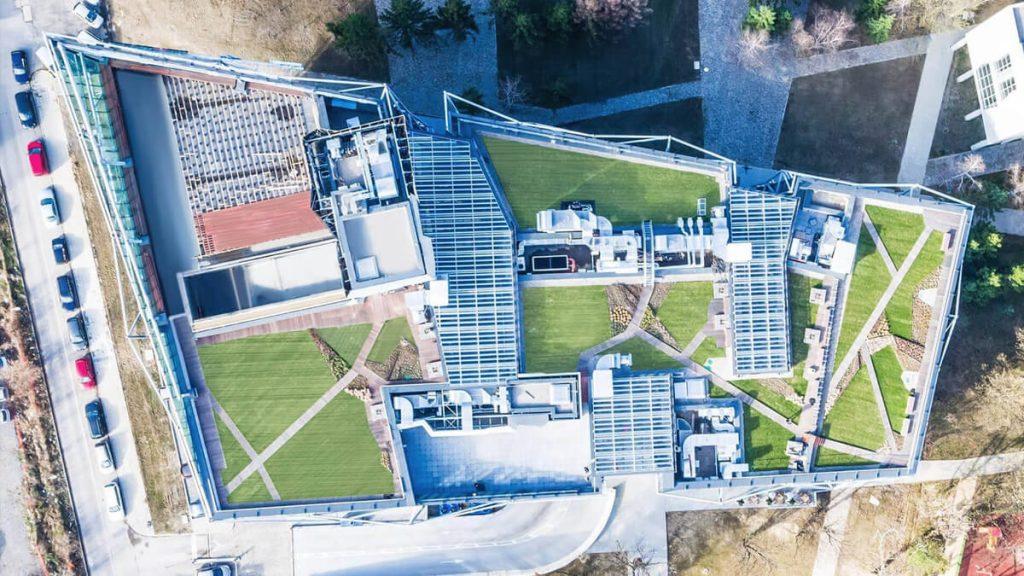 решения за интериорно, вертикално и покривно озеленяване