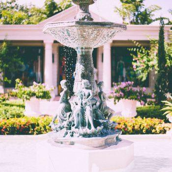 Декоративни фонтани - многоетажен фонтан за градината