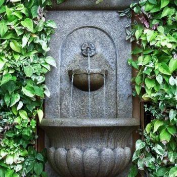 Декоративни фонтани - стенен фонтан за градината